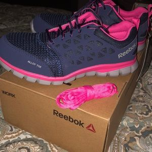 Rebook steel toe safety shoe 7W New with tag